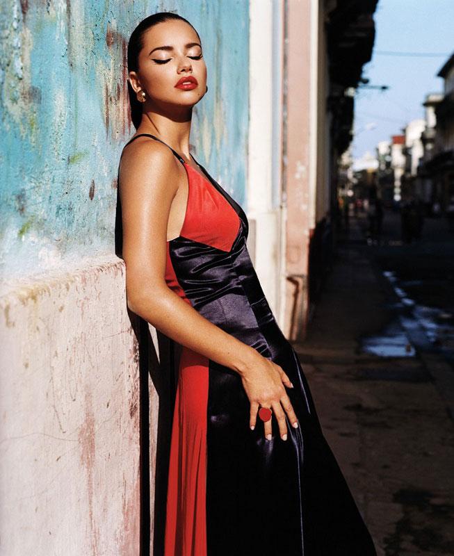 Adriana-Lima-Joan-Smalls-Viva-Cuba-Famost-002