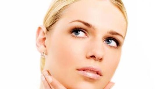 Cu putina practica si cu ajutorul produselor adecvate de make up, puteti beneficia in scurt timp de imaginea naturala dorita! Voi cum va pastrati LOOK-ul natural?