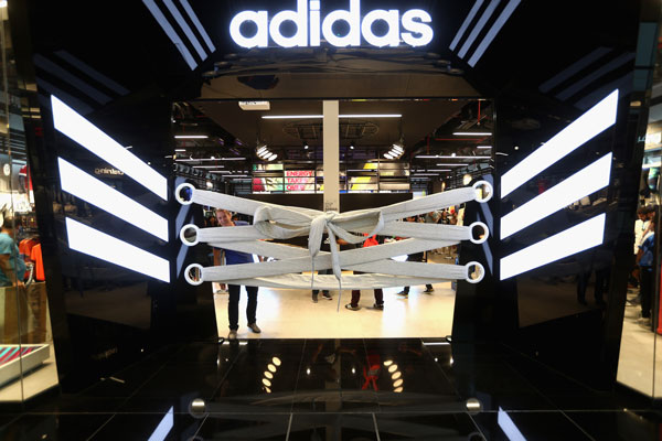 David-Beckham-a-inaugurat-un-magazin-Adidas-in-Dubai-05