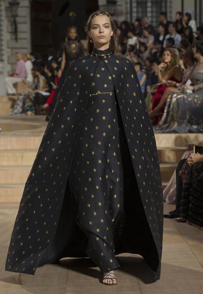Valentino-Couture-Toamna-Iarna-2015-2016-002