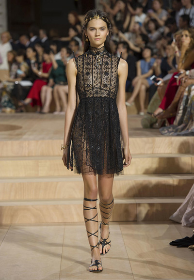 Valentino-Couture-Toamna-Iarna-2015-2016-005