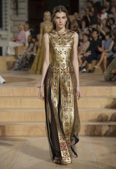Valentino-Couture-Toamna-Iarna-2015-2016-007