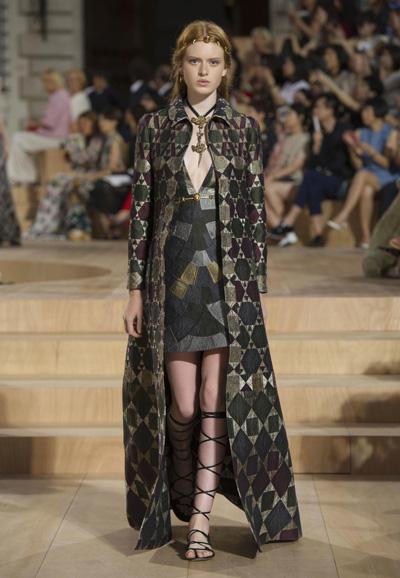 Valentino-Couture-Toamna-Iarna-2015-2016-008