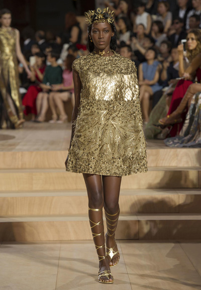 Valentino-Couture-Toamna-Iarna-2015-2016-013
