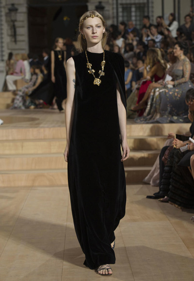 Valentino-Couture-Toamna-Iarna-2015-2016-017