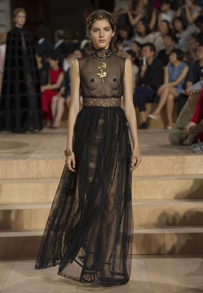 Valentino-Couture-Toamna-Iarna-2015-2016-018