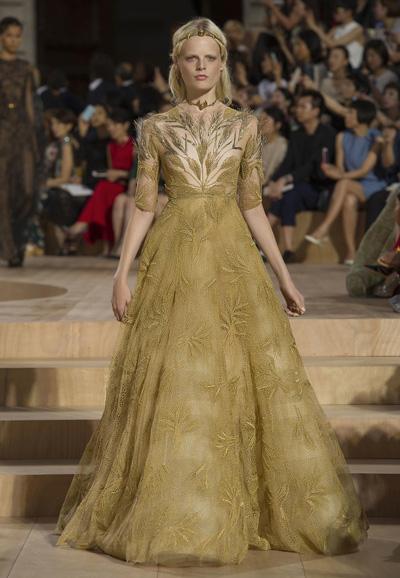 Valentino-Couture-Toamna-Iarna-2015-2016-020