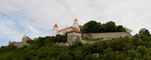 castelul-hrad-bratislava.jpg