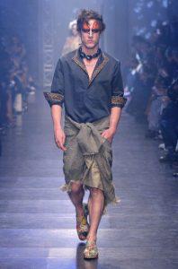 tendinte-vestimentare-femei-Vivienne-Westwood-primavara-vara-2016-002