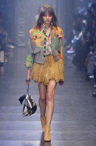 tendinte-vestimentare-femei-Vivienne-Westwood-primavara-vara-2016-008