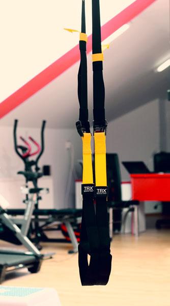 TRX-este-un-instrument-pentru-exercitii-in-suspensie