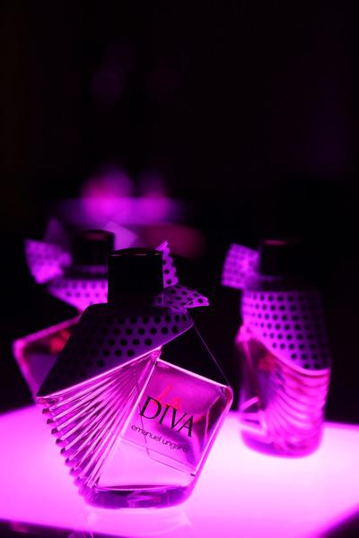 parfumul-la-diva-emanuel-ungaro