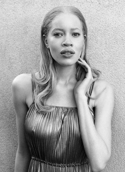 modele-de-top-unice-Diandra-Forrest