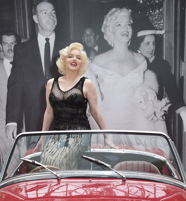 THE-LEGACY-OF-A-LEGEND-EXHIBITION-marylin-monroe