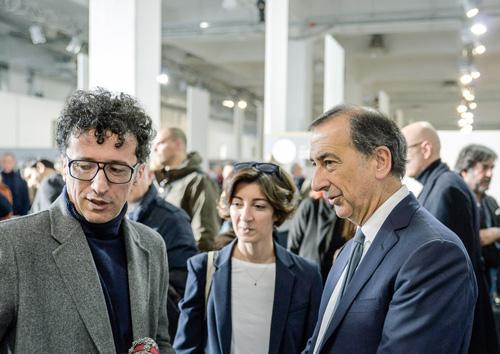 De la stanga spre dreapta: Massimiliano Bizzi - fondatorul WHITE, Cristina Tajani, Giuseppe Sala