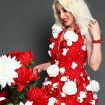 "Mihelle Cristine Camell si-a lansat prima sa colectie de rochii ""Rose"" in cadrul unui concurs de Miss."