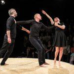 """""""Hamlet"""", dupa William Shakespeare, este un spectacol de Alina Berzunteanu, Richard Bovnoczki si Peter Kerek, recompensat in 2018 cu Premiul Criticii."""