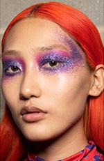 Neonul este doar pentru cei mai curajosi, care isi doresc sa poarte una din cele mai salbatice tendinte culori par 2020.