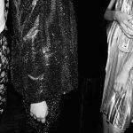 Rochia de seara este piesa vestimentara care se foloseste in cadrul unor evenimente speciale sise diferentiaza de cea de zi prin materialele si croiul ales.
