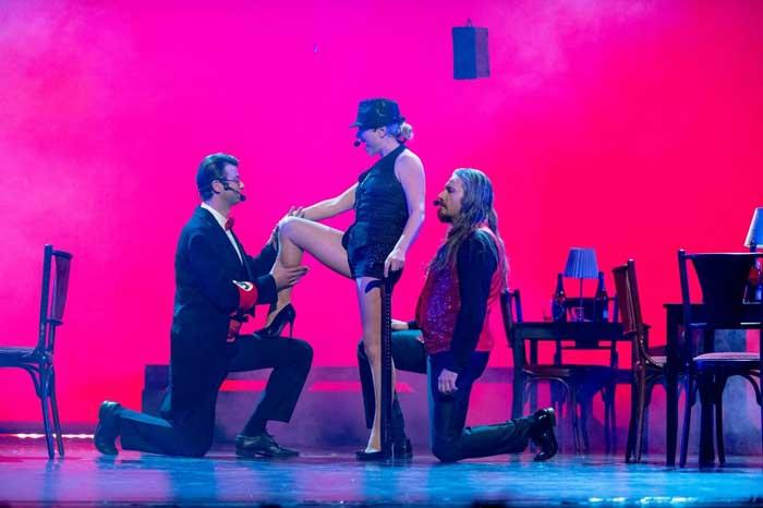 """Cabaret Berlin"" este o productie independenta, semnata de Isabela Oancea."