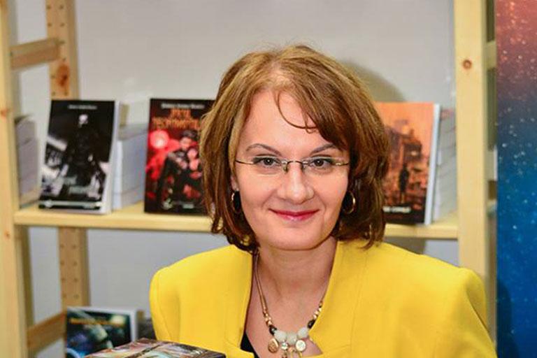 Ana Maria Negrila este fara nicio discutie, una dintre cele mai mari scriitoare contemporane de literatura SF si fantastic din Romania.