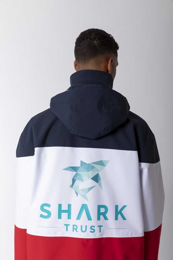 Paul & Shark este, de asemenea un protagonist al proiectului Pitti Uomo Special Features, care prezinta publicului colectia capsula Shark Trust la Pitti Connect.