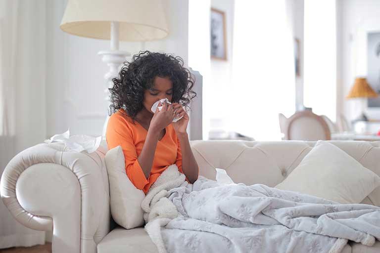 Febra de fan apare odata cu vremea calda, acesta perioada se pare ca nu reprezinta un lucru foarte bun pentru cei care au probleme cu alergiile!