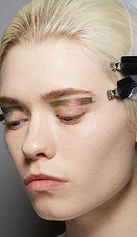 una din cele mai sofisticate LOOK-uri dintre aceste tendinte makeup 2020 2021.
