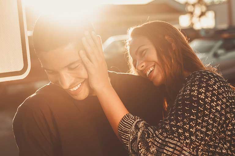 Stima de sine creste atunci cand esti iubit si sustinut.