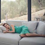 Cu certitudine te-ai intersectat si tu cu multe mituri despre somn, unele combatute, alte inca aflate in centrul unei polemici.
