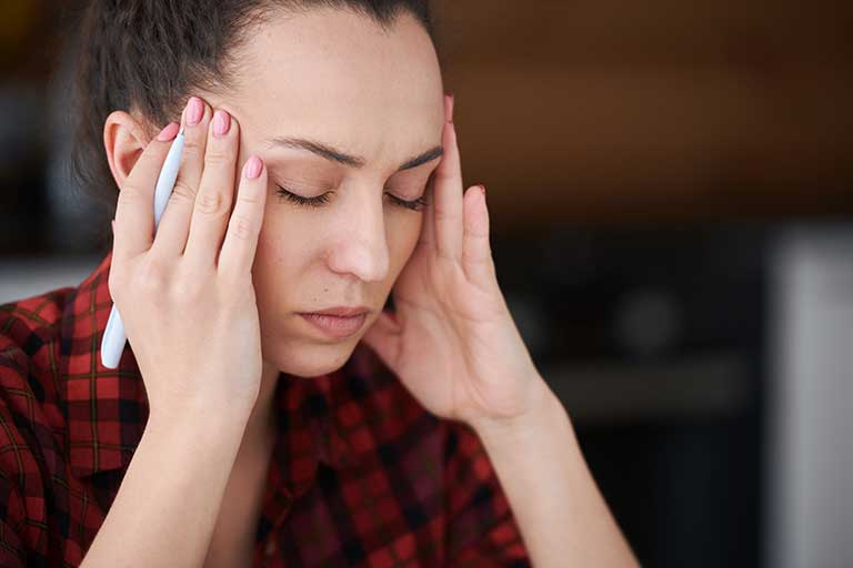 Daca ai dureri de cap in mod constant, e posibil sa fie de vina hormonii!