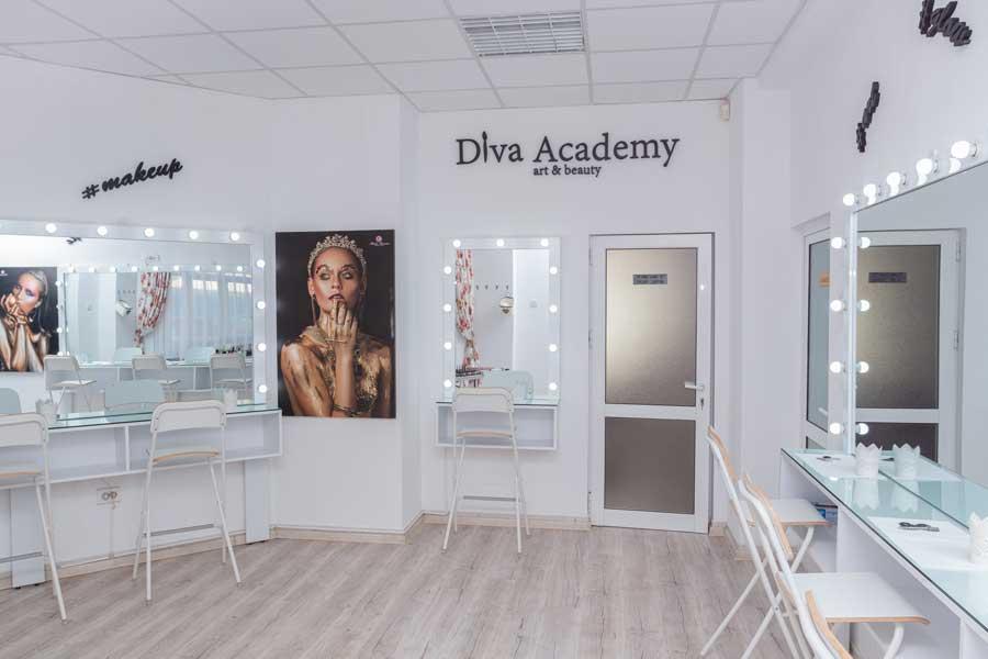Nu de foarte mult timp, Diva Academy-art&beauty s-a mutat intr-un sediu nou, mai spatios, ce permite atat adaptarea la noile conditii de distantare sociala