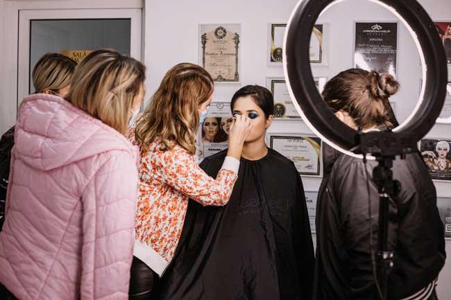 A fi trainer in beauty sau - trainer in general, presupune in primul rand o EXCELENTA CUNOASTERE a ce si cine esti tu de fapt.