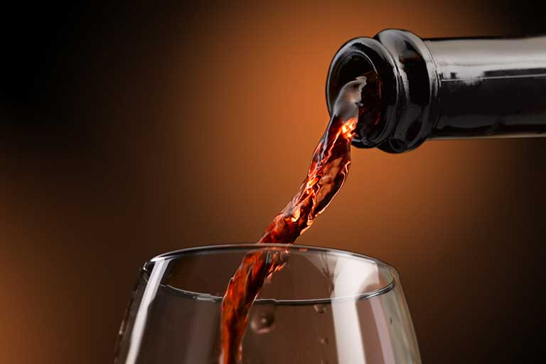 Alcoolul are efecte negative asupra sanatatii daca este consumat in cantitati inadecvate, renuntarea sau reducerea cantitatii consumate crescand in popularitate in ultimii ani,.