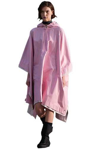 Un roz delicat si luminos, menit sa aduca blandete si delicatete in orice combinatie vestimentara, una din cele mai optimiste culori Pantone toamna iarna 2021 2022.