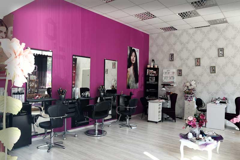 In urma cu 8 ani, printr-o decizie care i-a apartinut 100%, Adriana Ivan si-a deschis propriul salon beauty cu numele Euforia Concept.