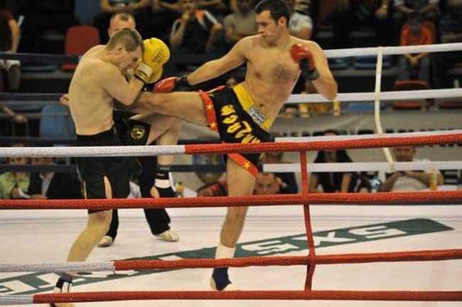 Sorin Vesa este singurul sportiv din Romania care a fost component al lotului national si a reprezentat Romania si pentru karate Shotokan si pentru kickboxing.