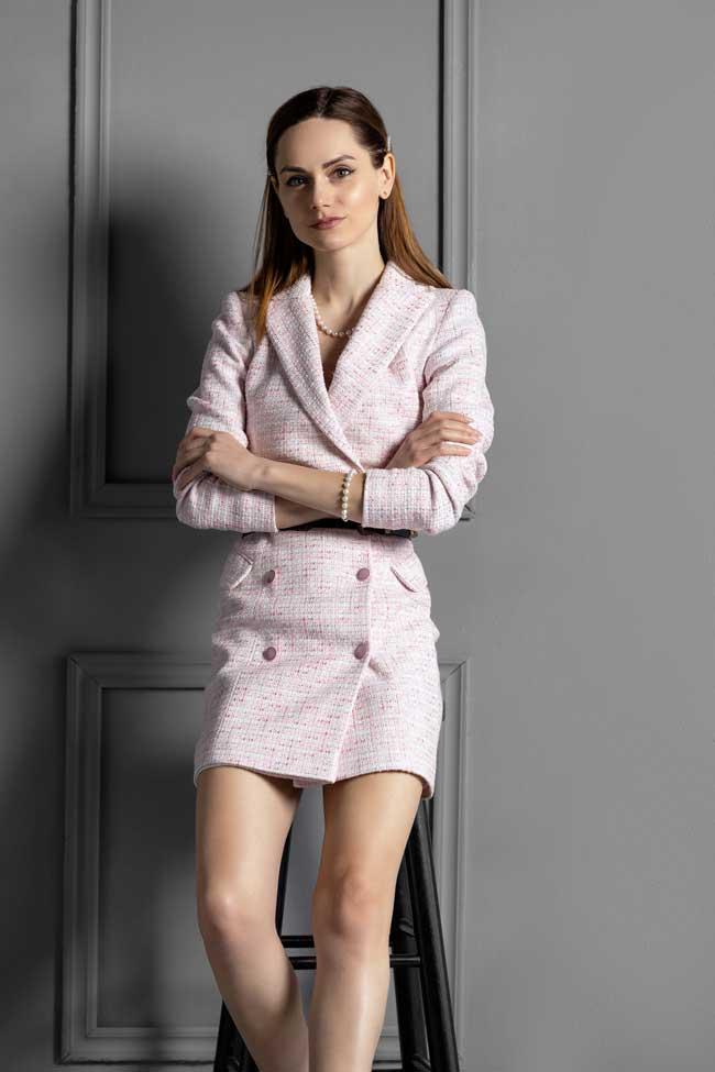 Care este stilul abordat de Oana Enescu si Avenue No 29 si carui tip de femeie se adreseaza?