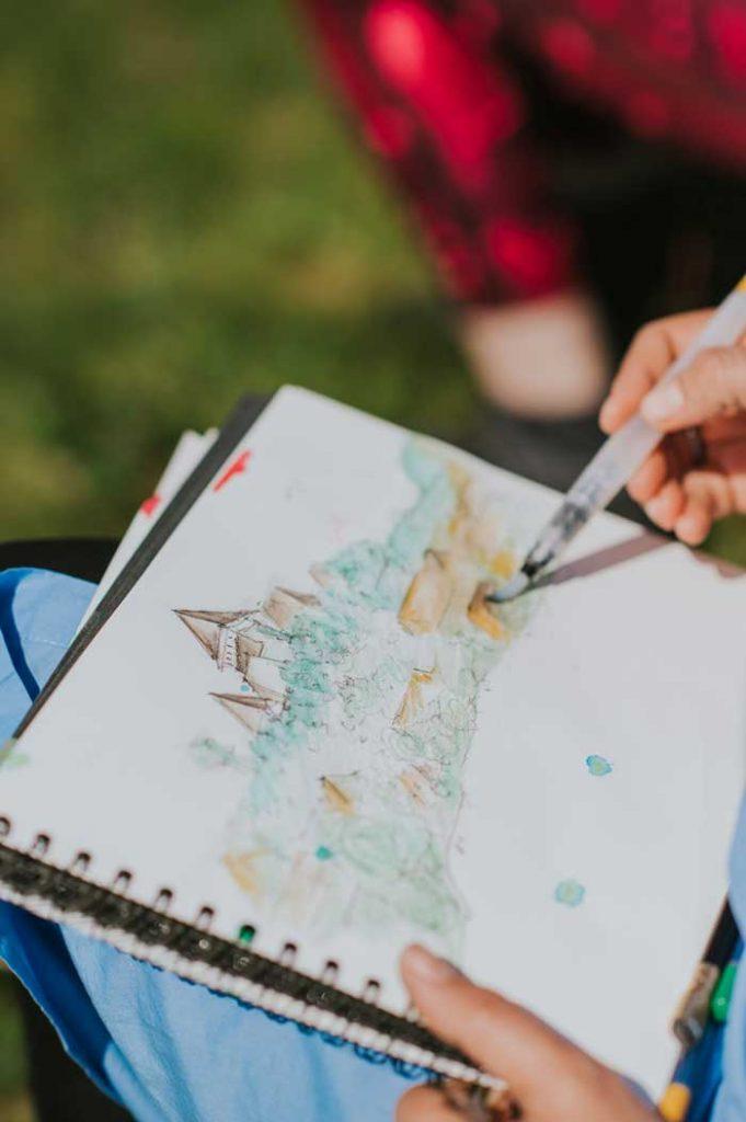 oiectul  Autumn Landscape Art, aflat la cea de-a doua editie (dupa succesul retreatului din primavara), este initiat de Irina Neacsu, designer si artist botanic,.