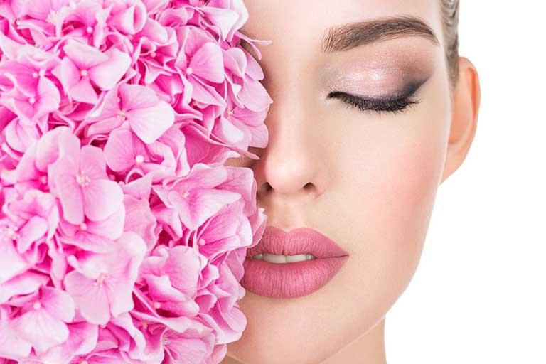 cidul mandelic este un acid alfa-hidroxi care ofera foarte multe beneficii, timp in care este destul de bland cu pielea.