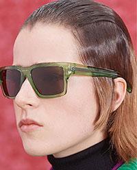 Una din cele mai distractive tendinte ochelari de soare 2021 2022 sunt ochelarii colorati, fie ca e vorba de cadre sau lentile.