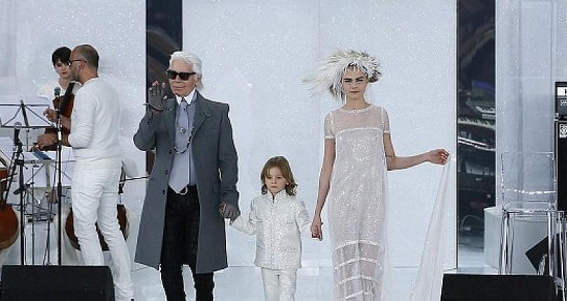 Karl Legerfeld Lanseaza in Primavara 2016 O Colectie de Imbracaminte Ready to Wear pentru Copii